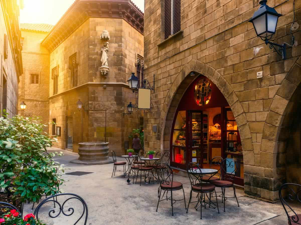 Prettiest Places to Eat in Barcelona