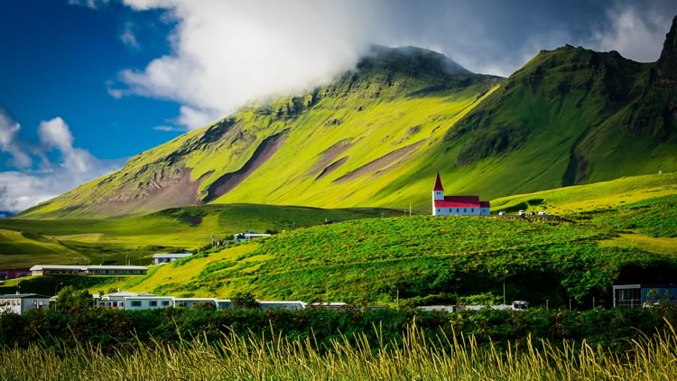 Holidays in July 2018: Where to Go : Iceland